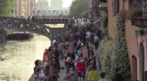 Coronavirus in Italia: salgono i contagi, vittime al minimo storico