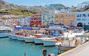 Campania, nuova ordinanza: per bar, cinema all'aperto e teat