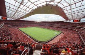 """Premier League, scoppiano le proteste: """"Noi giocatori non ve"""