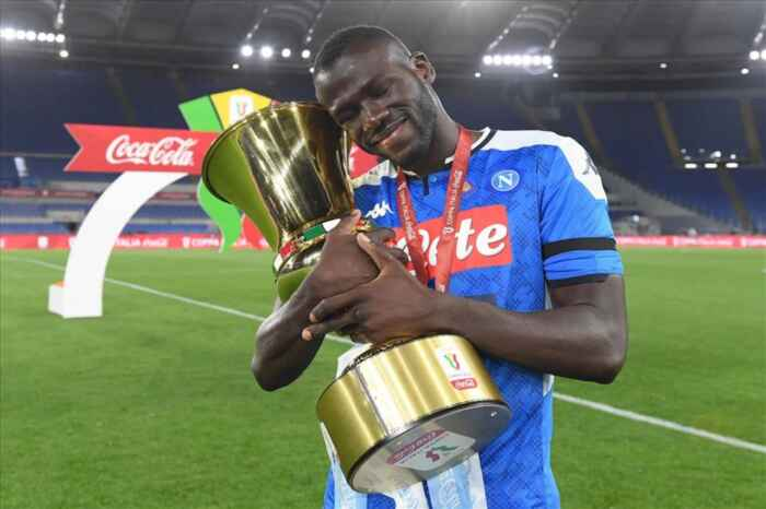 Kalidou Koulibaly, non è esclusa una sua permanenza a Napoli