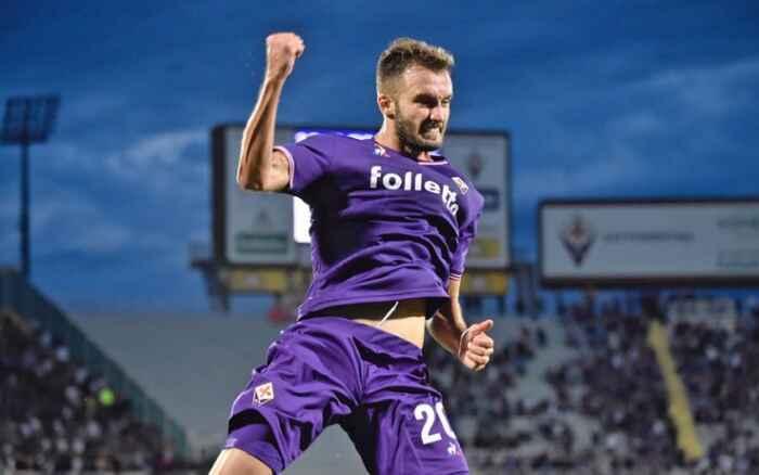 Calciomercato, il Napoli segue Pezzella. La Fiorentina ha già il sostituto