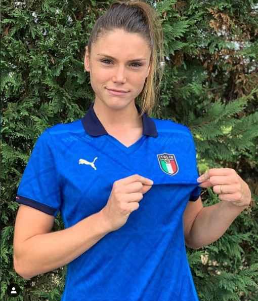 Cecilia Salvai e Laura Giuliani testimonial della nuova maglia della Nazionale Italiana.