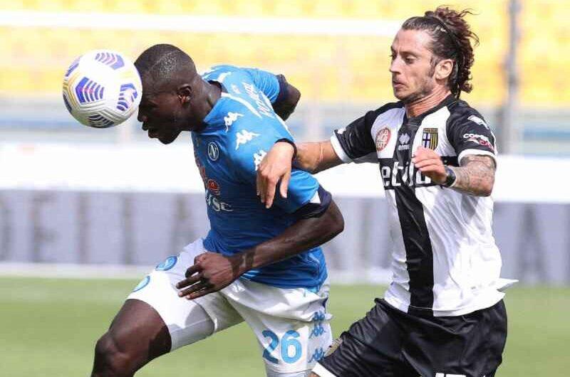 Koulibaly, Napoli: arriva l'offerta del PSG, ecco la risposta della società