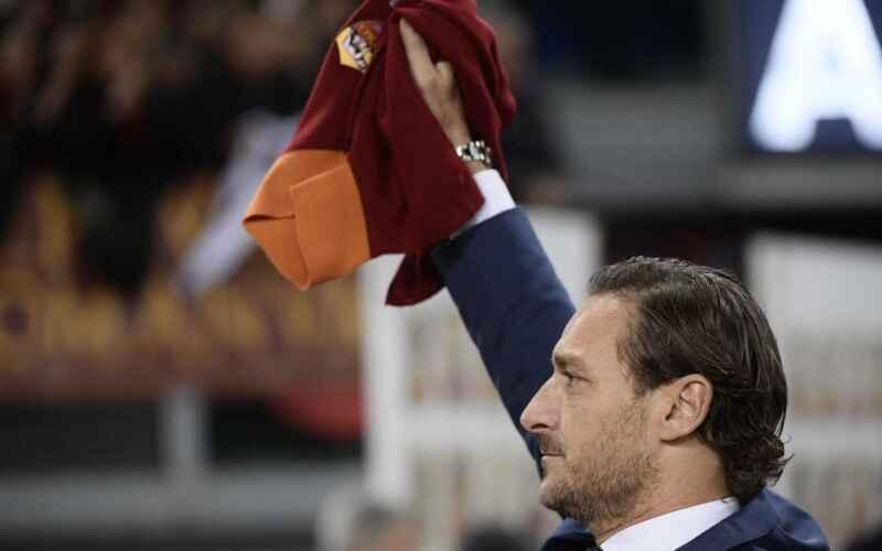 Totti pronto al ritorno alla Roma, contatti con la nuova proprietà