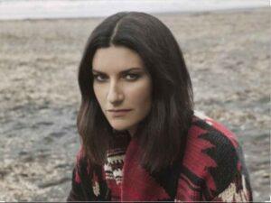 """Laura Pausini: """"Fa più notizia l'addio ad un uomo poco apprezzabile, che la violenza sulle donne"""""""