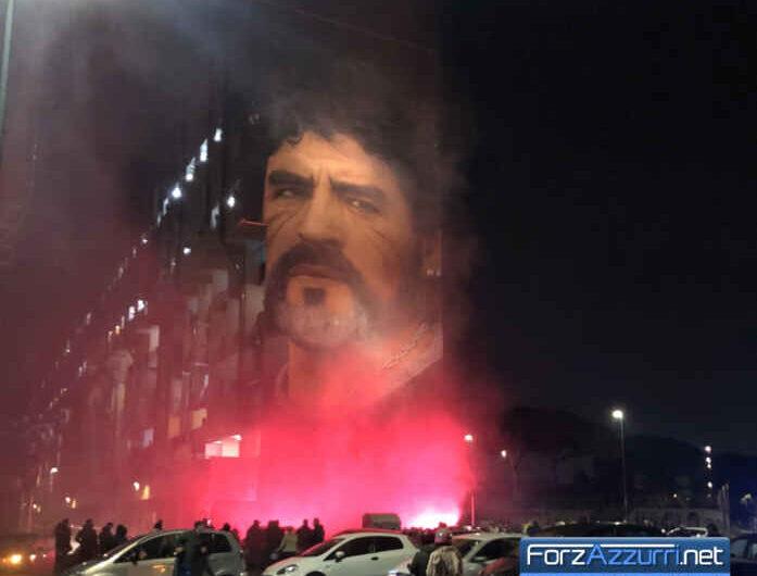 Diego Armando Maradona – Napoli rende omaggio al suo unico eroe