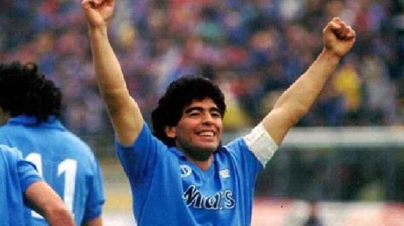 Il Comune di Napoli promuove una statua per Diego Armando Maradona