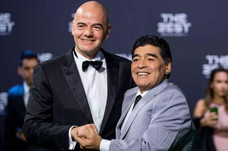 """FIFA, Infantino: """"Tristezza per la morte di una leggenda come Maradona"""""""