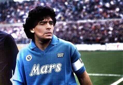 """Napoli, il ricordo di Maradona cento giorni dopo la scomparsa: """"Ci manchi Dios"""""""
