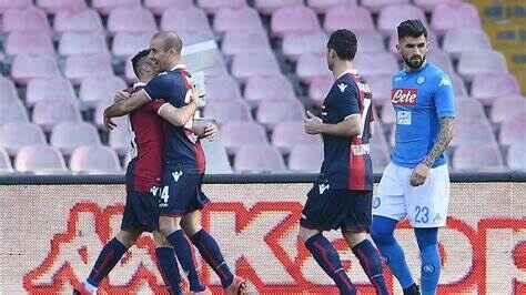 Napoli-Bologna, la moviola: il gol di Palacio è stato annullato giustamente