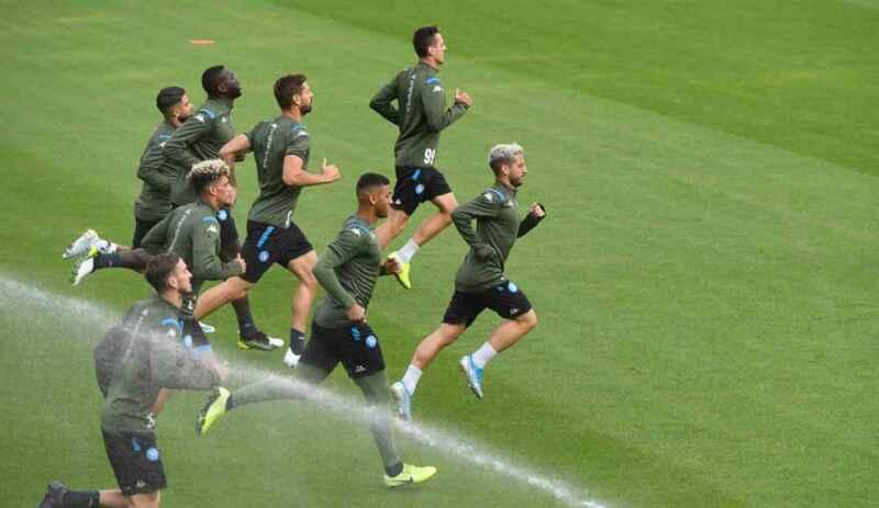 Napoli, Lobotka e Petagna riprendono gli allenamenti con il gruppo