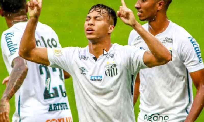 Kaio Jorge, forte interesse del Napoli per l'attaccante classe 2002: i dettagli