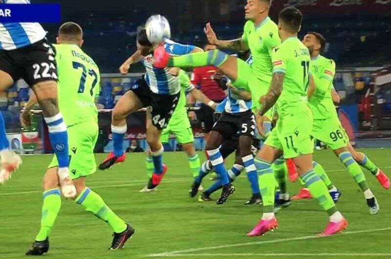 Napoli-Lazio: contatto Manolas – Milinkovic-Savic, è rigore? Arriva il verdetto