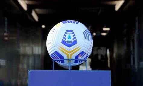 Serie A: stadi aperti al 50% dalla prossima stagione, servirà il green pass