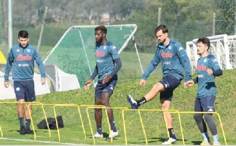 Report seduta di allenamento Napoli: lavoro di possesso palla e partitina, Koulibaly palestra e terapie