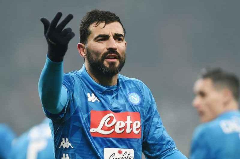 Napoli, i complimenti a Raul Albiol per la vittoria dell'Europa League