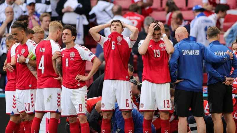 Dramma Eriksen: il calciatore sviene durante Danimarca-Finlandia!
