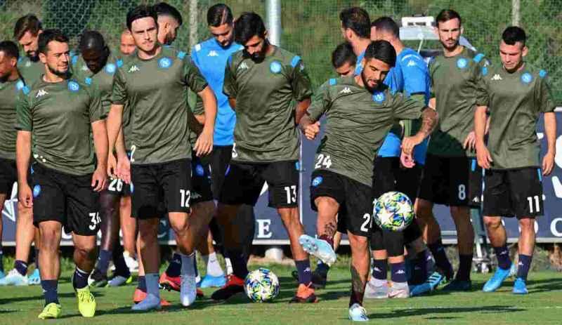 Napoli, tantissimi tifosi si prenotano per vedere gli azzurri in ritiro