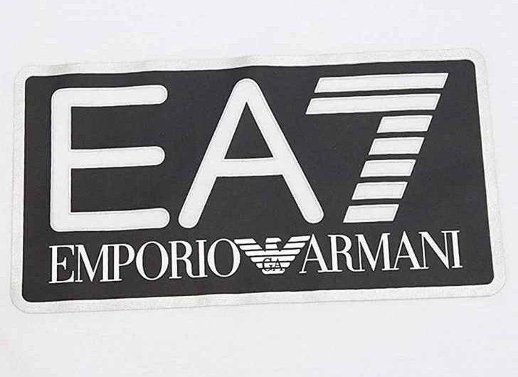 Sponsor tecnico del Napoli, spunta EA7 con la firma di Burlon