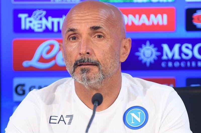 """Spalletti: """"Mi aspetto un Cagliari organizzato, servirà il massimo. Scudetto? Ci sono 7 candidate. Mertens e Demme in campo"""""""