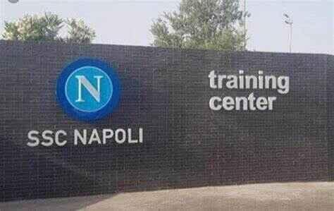 Napoli, domani sfida amichevole tra la prima squadra e la Primavera